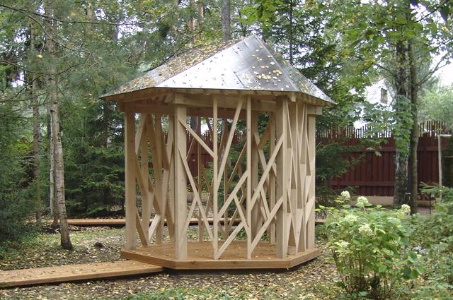 Чайная беседка — уютный объект для парка и дачи